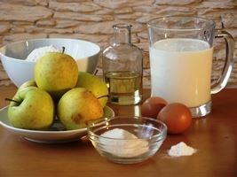 Оладьи на кефире с яблоками