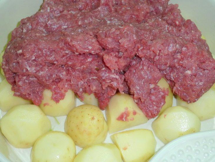 Молодой картофель под ароматным ярким тулупом