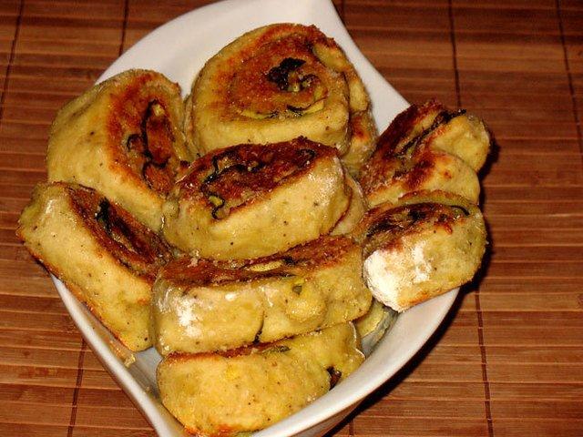 Картофельные рулетики с грилованными цуккини