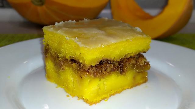 Ароматный тыквенный пирог с грецкими орехами