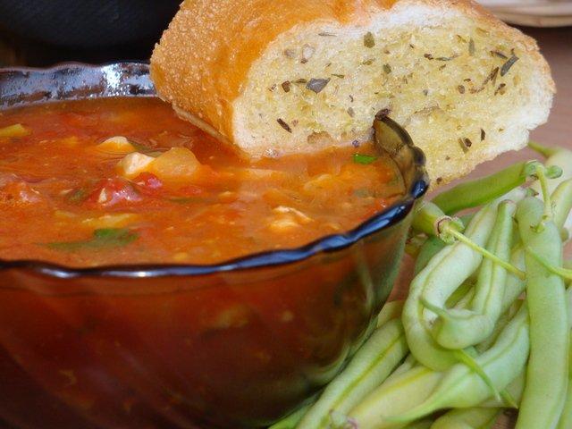 Томатный суп в итальянском стиле
