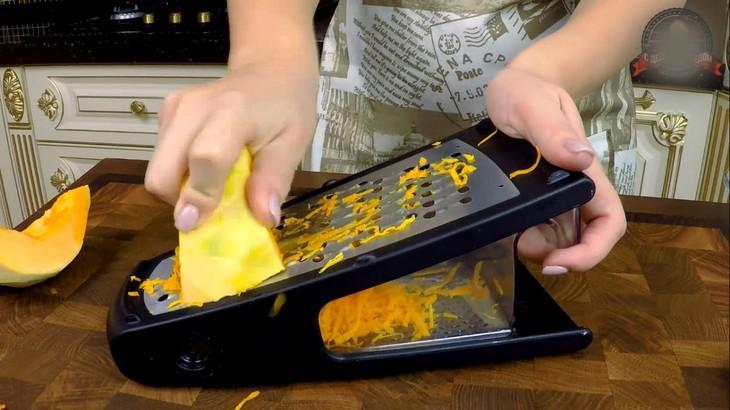Ароматный пирог из тыквы с цедрой апельсина