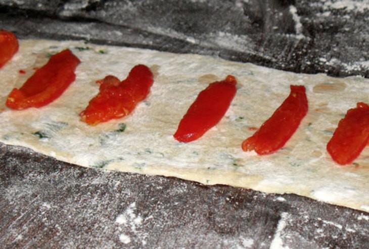 Панини с начинкой из подсушенных томатов