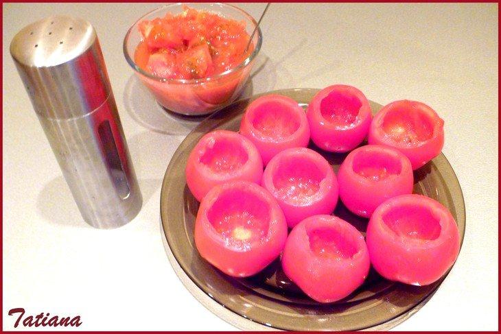 Запечённые фаршированные помидоры