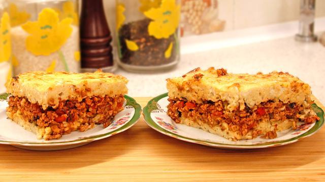 Слоёный пирог из макарон с фаршем и баклажанами в итальянском стиле
