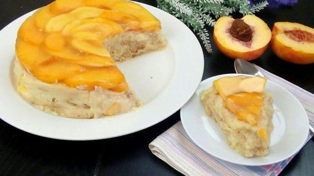 Пудинговый торт с персиками без выпечки