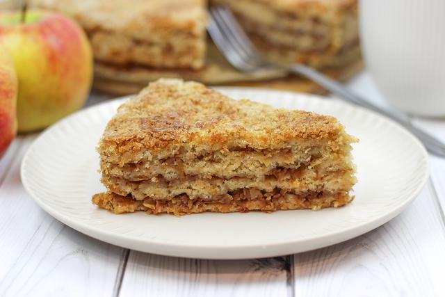 Яблочный пирог «три стакана» с хрустящей корочкой и нежной начинкой