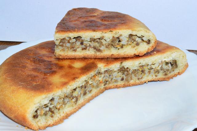 Пирог без духовки с мясной начинкой