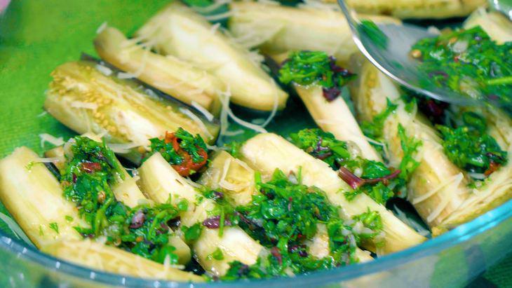 Закуска из маринованных баклажанов с сыром