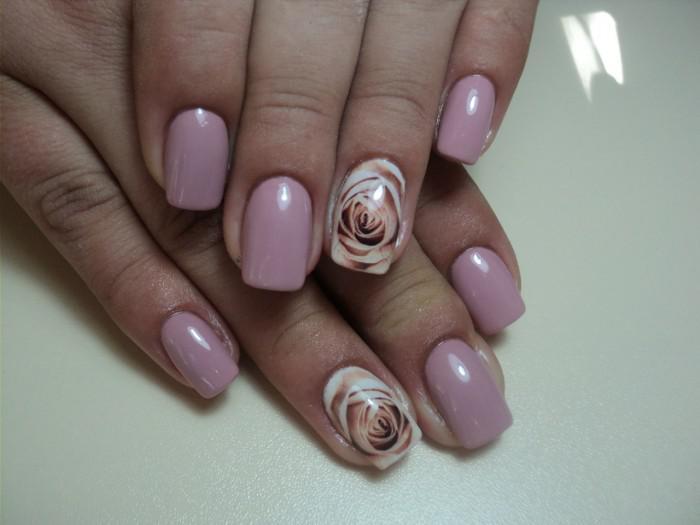 28 свежих идей маникюра в шикарном цвете «Пыльная роза» - очень стильно и женственно!