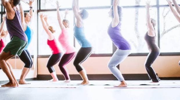 Йога: лучшие упражнения для красивого тела