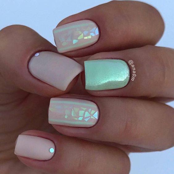 35 очень стильных идей маникюра на короткие ногти