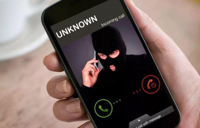 Что означает, если звонит неизвестный и сразу сбрасывает