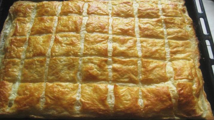 Ленивый домашний хачапури. Быстрый слоёный пирог