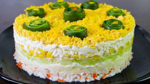Попробуйте приготовить свежий и легкий салатик с крабовыми палочками Свежесть