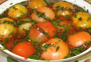 Как вкусно заквасить бурые помидоры с начинкой