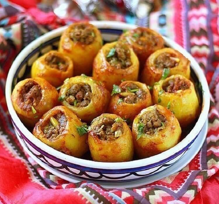 Красивый и ароматный картофель с нежной мясной начинкой