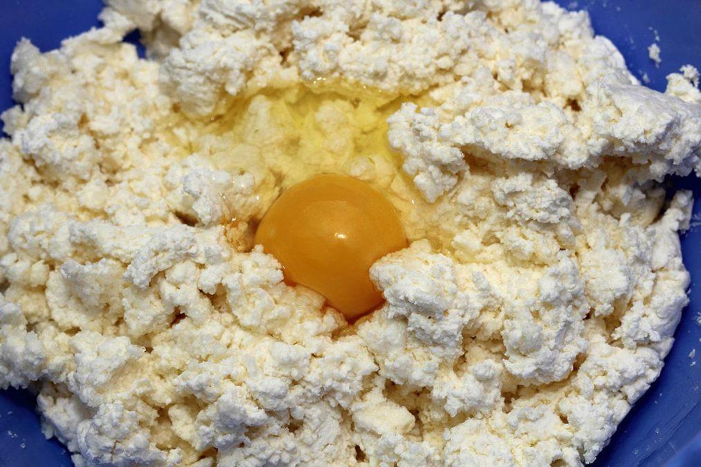 Неповторимые домашние сырнички с яблоком и корицей